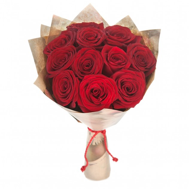 Букет из 11 красных роз в крафте